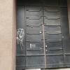 Metallukselt grafiti eemaldamine